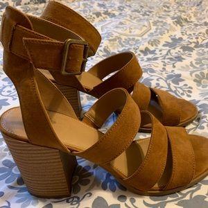 Universal Thread Suede Boho Chunky Heel Sandals